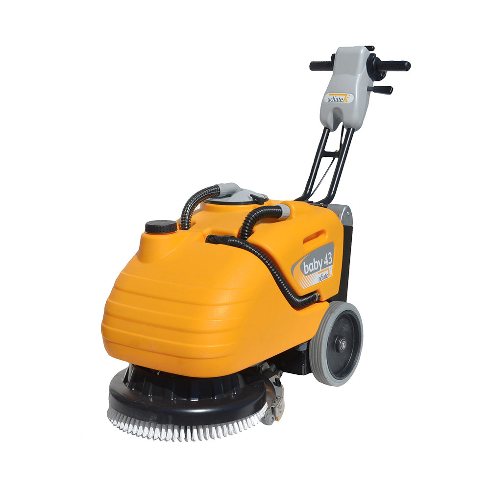 Floor cleaning machines for oil stained floors